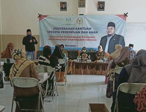 Anggota FPD DPR-RI Hasani bin Zuber Serahkan Bantuan Spesifik untuk Ibu dan Anak