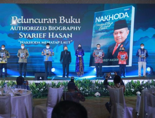 Syarief Hasan Luncurkan Autobiografi 'Nakhoda Menatap Laut'