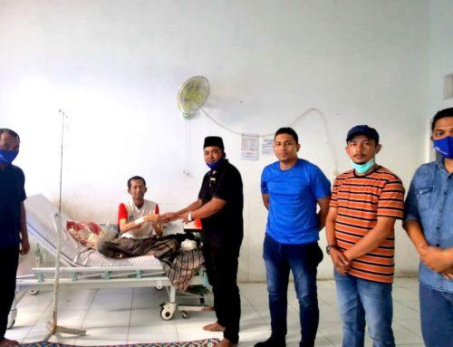 """Demokrat Aceh Besuk """"Kader"""" yang Sakit Kanker Nasofaring"""