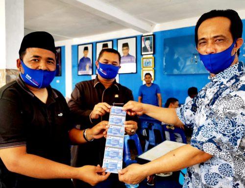 Demokrat Aceh Serahkan Kartu Anggota ke DPC di Pantai Barat Selatan