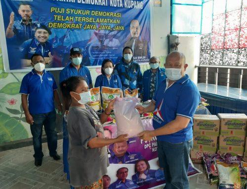 DPC Demokrat Kota Kupang Sumbang 1 Ton Beras dan 100 Dus Mi Instan