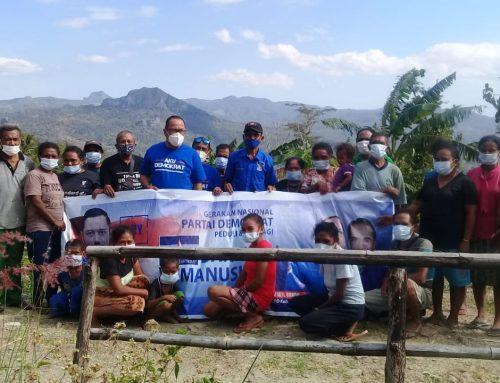 Demokrat Kab Kupang Kembali Serahkan Bantuan untuk Korban Bencana di Desa Tanini
